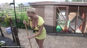 What can be better than a working girl with a huge flashing boob